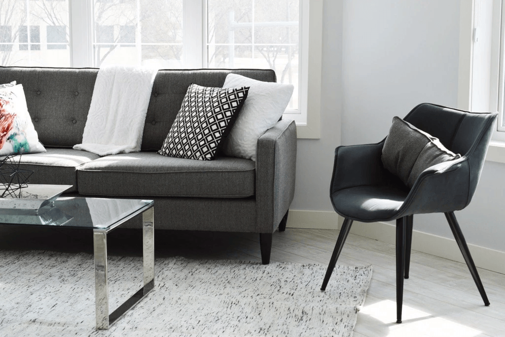 10 Ideas for Furnishing a Family Room